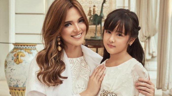 Putri Nia Ramadhani Tuai Pujian Jago Ngebut Naik Jetski di Tengah Laut padahal Baru Berumur 8 Tahun